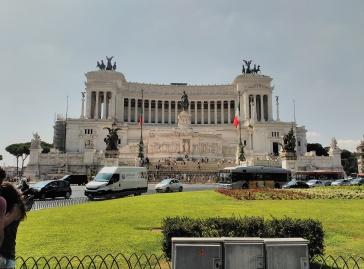 Monumento a Victor Manuel.jpg