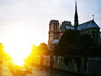Notre Dame al anochecer