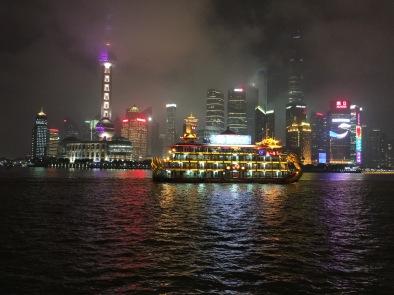 Pudong desde el paseo del Bund