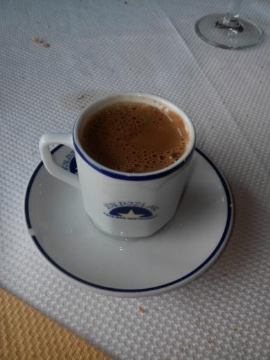 Bébeme si te atreves, dijo el café