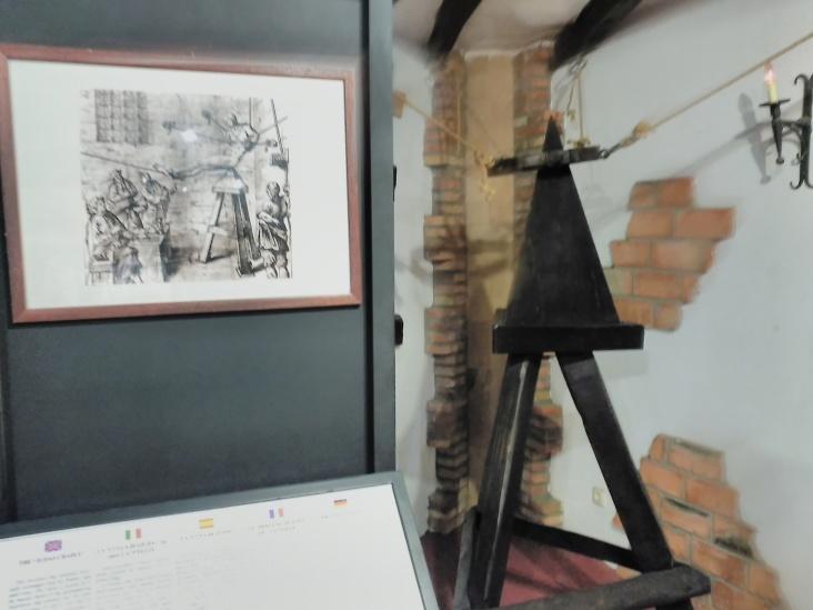 museo tortura, santillana