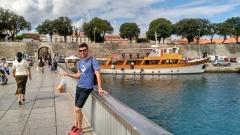 Puente hacia murallas de Zadar