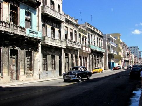 habana-vieja-cuba-coches