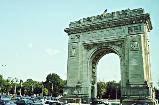 Bucarest - Arco Triunfo.jpg