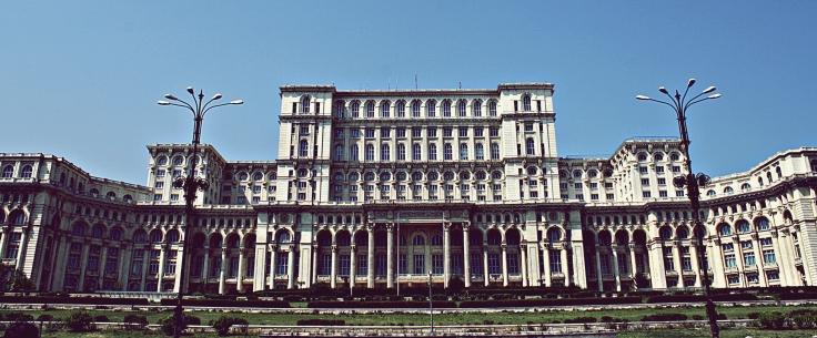Bucarest - Parlamento.jpg