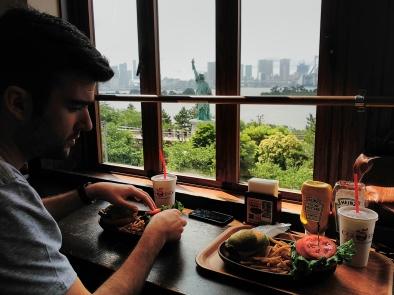 Tokio - Japón - Odaiba - Isla - Hamburguesa